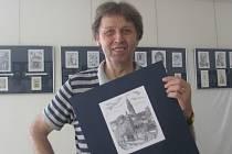 Grafik a rytec Jaroslav Tvrdoň vystavuje v hodonínském Regionálním centru.