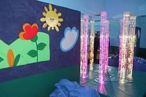 Děti Základní školy a Mateřské školy Kollárova ve Veselí nad Moravou mají novou multisenzorickou místnost.
