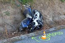 Smrtelná nehoda uzavřela ve středu odpoledne silnici mezi Archlebovem a Strážovicemi. Na místě tam zemřel třiadvacetiletý motorkář.