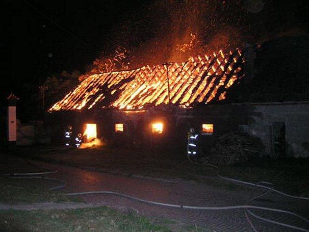 Požár hospodářského stavení v Hodoníně