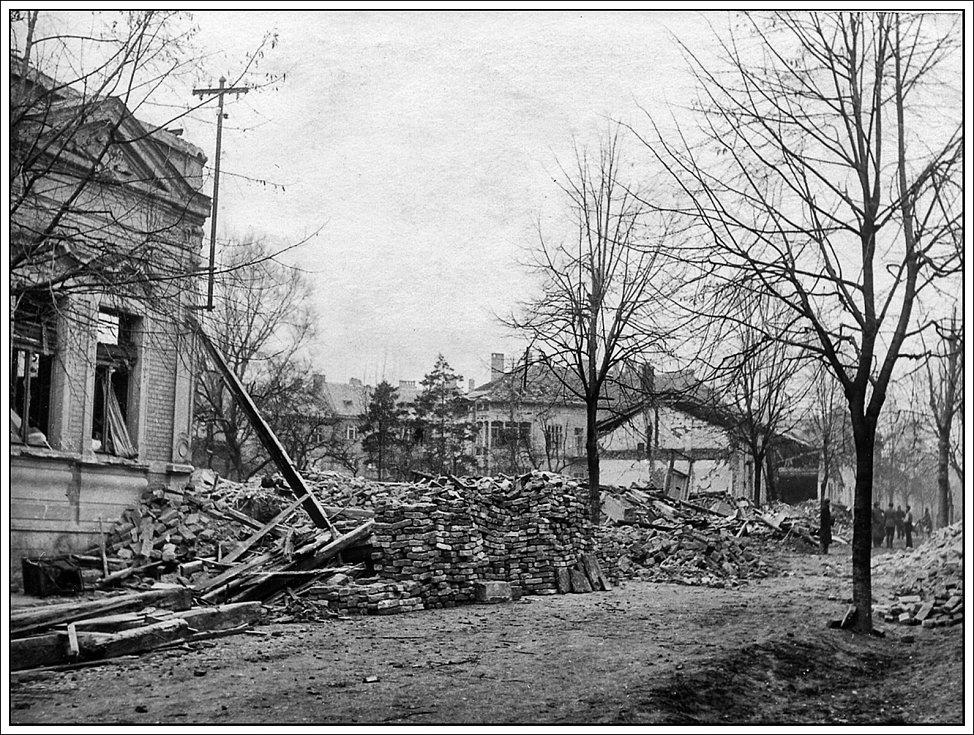 Následky bombardování Hodonína z 20. listopadu 1944.