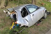 Tragická dopravní nehoda mezi Moravským Pískem a Nedakonicemi, při níž zemřela devatenáctiletá řidička.
