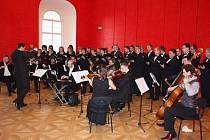 Hodonínský sál Evropa kromě jiného přivítá Komorní orchestr města Kyjova.