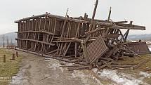 Dřevěná rozhledna u Javorníku na Horňácku. A její konec.