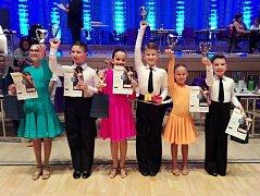 Hodonínští tanečníci Filip Mezihorák s Klaudií Horatiusovou si připsali další úspěch v kariéře. Členové klubu Orion zazářili na postupové soutěži ve Zlíně, kde ovládli kategorii děti II D LAT.