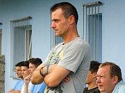 Veselský trenér Richard Hrotek (na snímku) byl po sobotním zápase v Bohunicích pořádně rozladěný. Hosté v Brně ztratili dobře rozehraný zápas a prohráli 3:4.