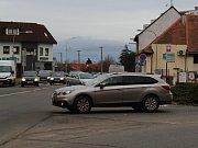 Masarykova třída ve Veselí nad Moravou v místech, kde mají vzniknout kruhové křižovatky.
