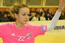 Osmnáctiletá brankářka házenkářek Veselí nad Moravou Jana Vašulková (na snímku) předvedla v pohárovém zápase proti Porubě spoustu výborných zákroků.