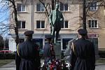 Prezidentka Slovenské republiky Zuzana Čaputová položila květiny pod sochu Tomáše Garrigue Masaryka v Hodoníně.