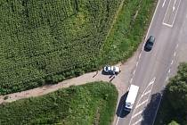 Policejní akce s vrtulníkem mezi Břeclaví a Hodonínem