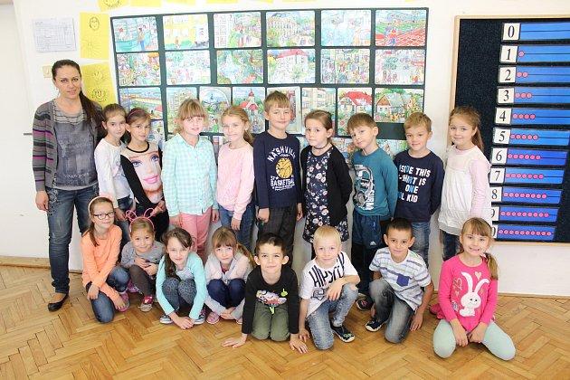 První tablo žáků I.B vZákladní škole vMutěnicích.