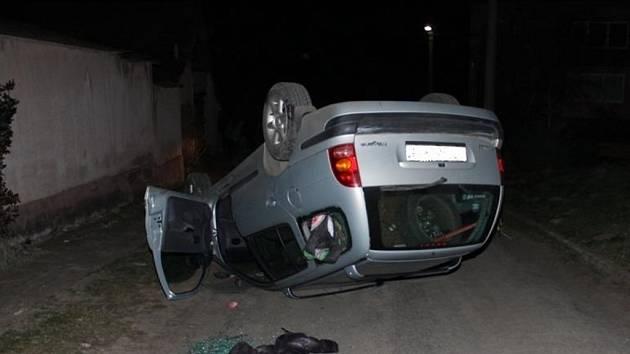 Řidič nadýchal po nehodě přes dvě promile.