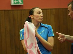 V pondělí večer odstartovala ve sportovní hale TEZA finálové série extraligy žen ve stolním tenise. Úřadující české mistryně z Hodonína se opět po roce střetly se sousední Břeclaví.