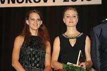 Vnorovská běžkyně Tereza Korvasová (vpravo), která závodí za USK Praha, se nevzdává snu zúčastnit se olympijských her v Brazílii.