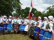 Podruhé vyšli poutníci z obcí Strážnicka na vrch Žerotín, kde se sloužila slavnostní mše.