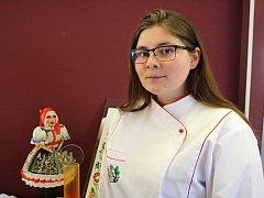 Cukrářky ze bzenecké školy sbíraly se svými dorty úspěchy v Hradci Králové. Ačkoliv jsou dorty jedlé, slouží jen pro výstavní účely.