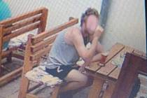 Z hospody na Kyjovsku utíkal muž bez placení. Zachytily ho kamery.