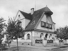 Budova bývalého finančního úřadu ve Veselí nad Moravou nabídne bydlení pro penzisty.