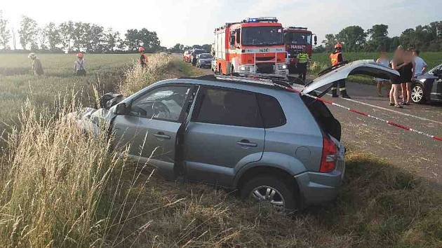 Nedělní podvečerní nehoda osobního auta u Strážnice.
