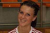 Dvacetiletá házenkářka Veselí nad Moravou Petra Varjassiová skončila po utkání v Olomouci v nemocnici.