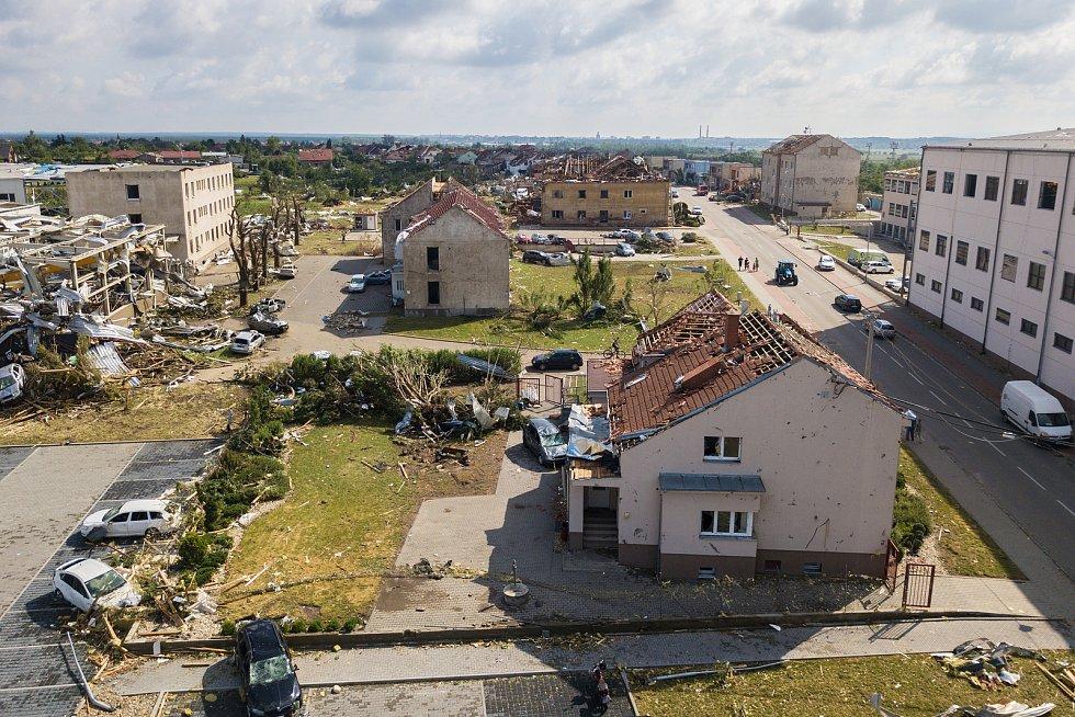Tornádo zasáhlo Břeclavsko a Hodonínsko. Důsledky byly ohromující.