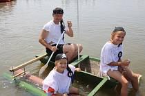 Hlavně originalita se hodnotila v sobotu odpoledne v Nenkovicích na Neckyádě o Starostovy necky. U rybníku Nynek se představilo deset plavidel, mezi kterými nechyběla ani Lochnesská příšera nebo krokodýl.