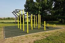 Nového venkovního fitness sportoviště se dočkali obyvatelé Svatobořic-Mistřína
