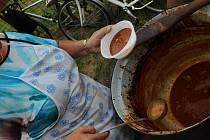 O pohár starosty města se ve Vracově už počtvrté utkaly týmy, které připravovaly kotlíkové guláše.