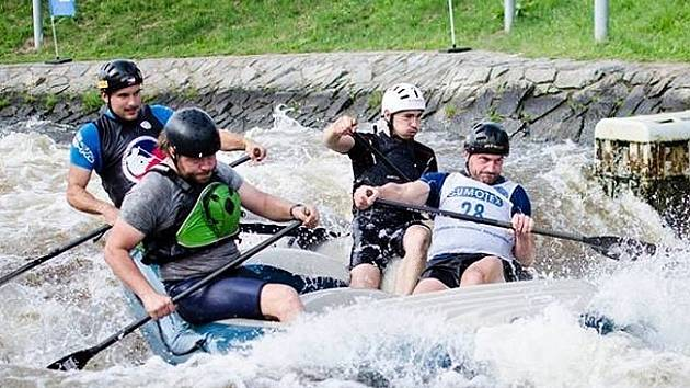 Hodonínští raftaři v posledním závodě Českého poháru, který se uskutečnil na umělém slalomovém kanále v Roudnici nad Labem, stvrdili příslušnou k tuzemské elitě.