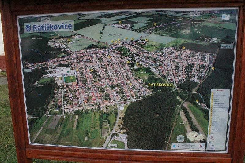 Letecký pohled na Ratíškovice.