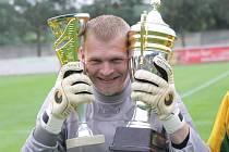Fotbalový brankář Michal Lupač vyhrál s Mutěnicemi první A třídu i krajský pohár. Na začátku roku však překvapivě ukončil kariéru.