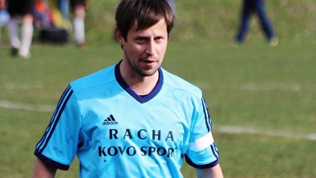 Fotbalisté Hroznové Lhoty ztratili dobře rozehraný zápas a v Křepicích prohráli 1:2. Výsledek musel skousnout i záložník Ondřej Bíla (na snímku).