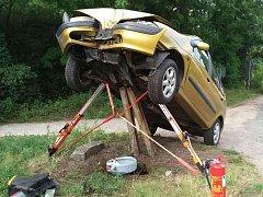 Dvě promile alkoholu nadýchala řidička, která v pátek vpodvečer bourala na silnici mezi Mutěnicemi a Hodonínem.