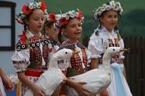 Na Horňáckých slavnostech po letech opékali barana.