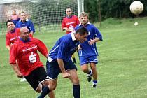 V sobotu se na tréninkovém hřišti hodonínského Nesytu konaly Memoriály Jana Ščevíka a Jaroslava Jagoše. Z vátěztsví se nakonec radovali bývalí hráči Mutěnic.