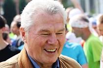 Bývalý vynikající hokejista František Pospíšil navštívil společně s dalšími olympioniky běžecký závod Velká Morava v Mikulčicích.