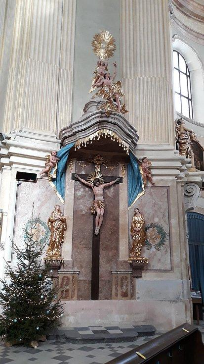 Oltář svatého kříže ve Křtinách na Blanensku.