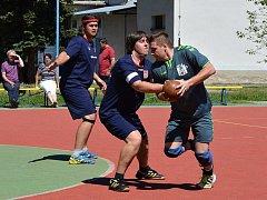 Národní házenkáři Veselí nad Moravou ve druhé lize bez problémů zvládli další domácí duel a po jednoznačné výhře 17:6 nad Humpolcem se přiblížili postupu do nejvyšší soutěže.