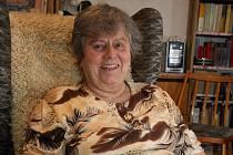 Šestasedmdesátiletá Věra Heidlerová držela jednodenní hladovku proti účasti komunistů ve veřejné správě.