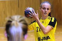 Mladá házenkářka Nikola Kalinová se stejně jako zbytek hoodnínského týmu v KUnovicích zúčastnila Memoriálu Edity Malenovské.