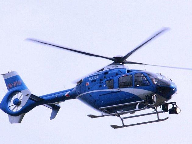 Dopravní policisté se zaměřili na piráty silnic. Rozsáhlou akci pozoroval z vrtulníku i redaktor Hodonínského deníku Rovnost