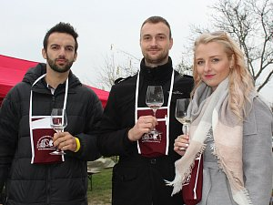 Vinaři v Hovoranech otevřeli své sklepy