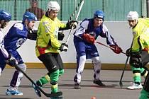 Sudoměřičtí hokejbalisté prohráli ve čtvrtfinále play off s Mostem 0:2 na zápasy. Série v sobotu pokračuje na jihu Moravy.