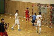 Hodonínští futsalisté Tanga B předvedli v pátek večer neuvěřitelný obrat. Blansku nakonec dali devět gólů.