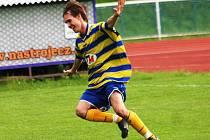 Záložník Ota Duchoslav slaví druhý gól v síti Kyjova.