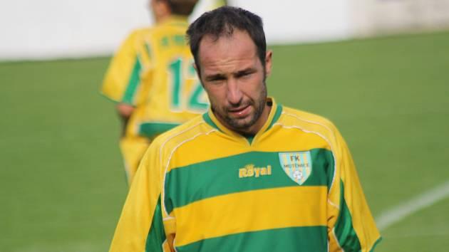 Zkušený mutěnický útočník Dalibor Koštuřík se proti Slavičínu střelecky neprosadil.