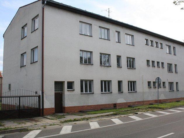 Nevyužitá budova v Žižkově ulici v Hodoníně.