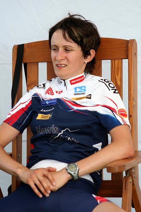 Rychlobruslařka Martina Sáblíková nedala specialistkám na stokilometrové trati žádnou šanci.
