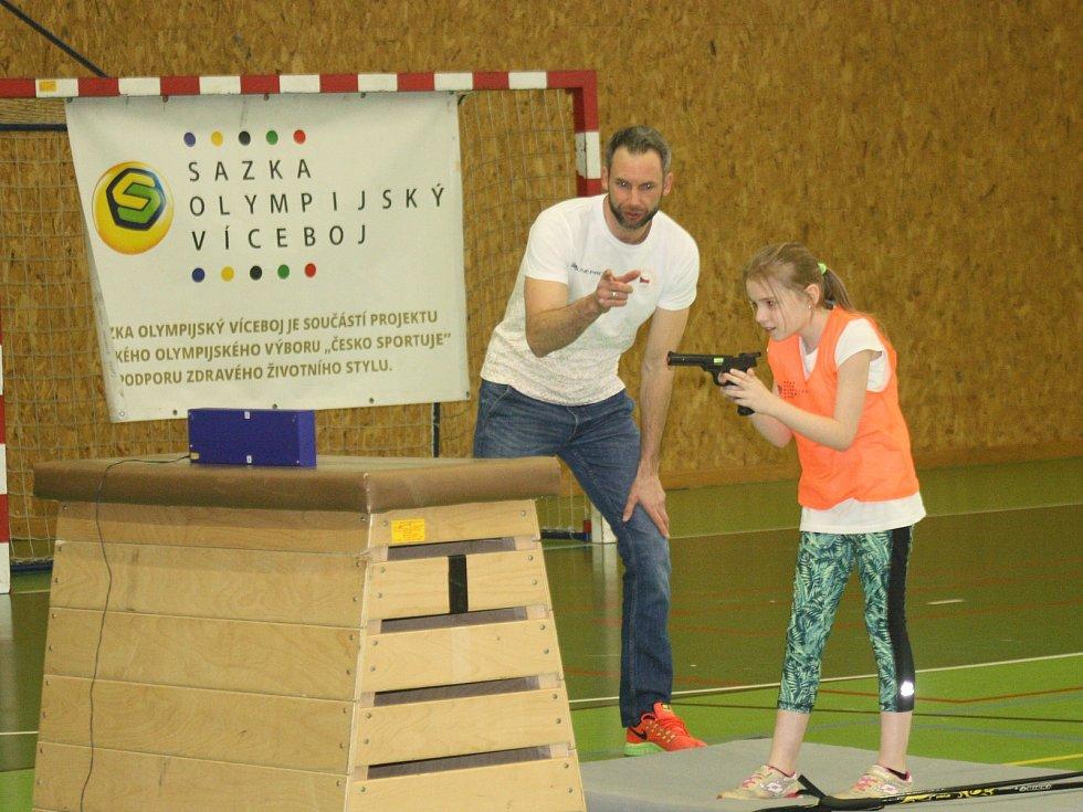 Odměnu za svou aktivitu v projektu Sazka Olympijský víceboj získala základní škola ve Velké nad Veličkou. Žáci si mohli zkusit trénink s olympioniky.
