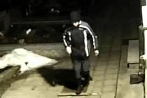Hřbitovního žháře zachytila ve Svatobořicích-Mistříně kamera umístěná na hřbitově.